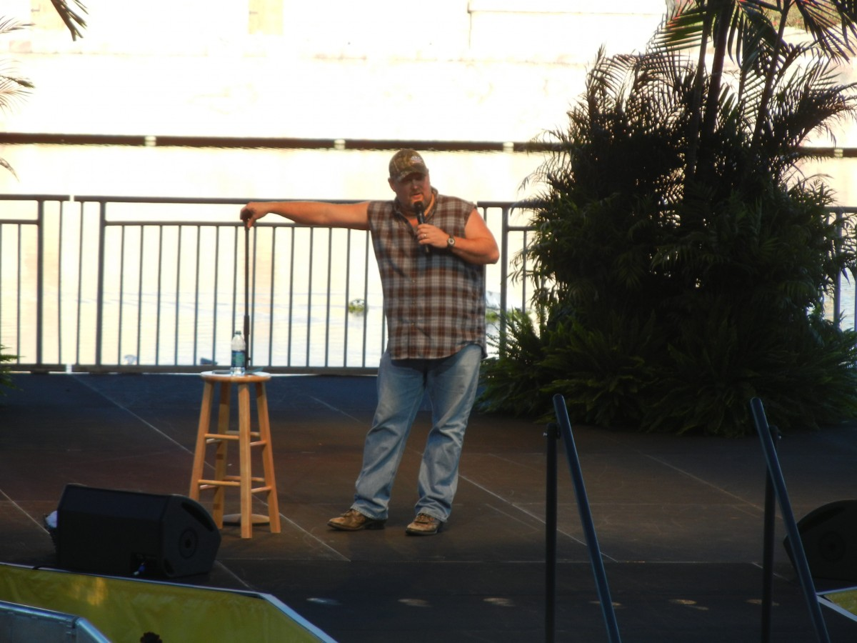 Larry the Cable Guy at SeaWorld Orlando's Band, Brew & BBQ
