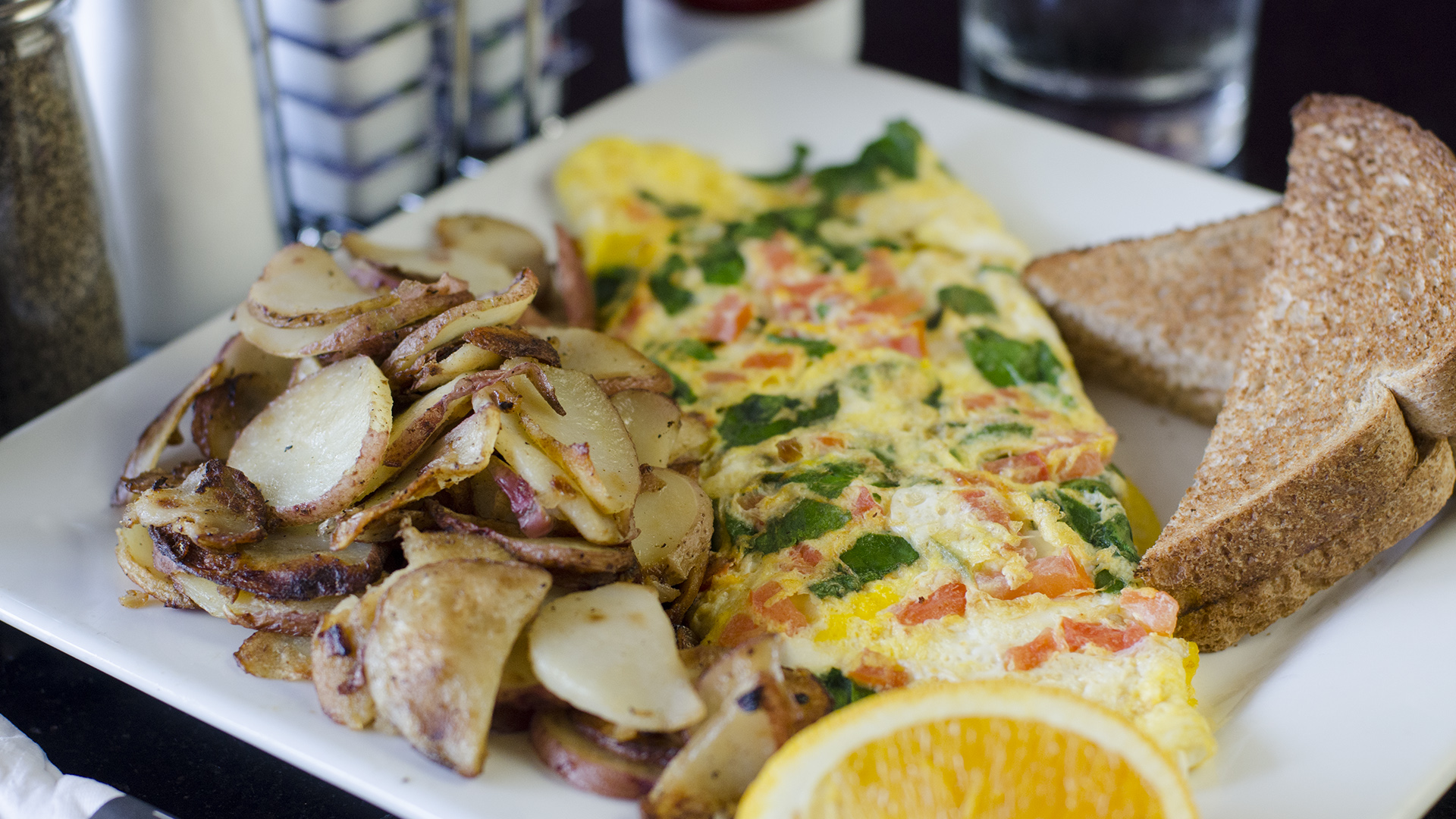 Try An Omelete At Orlando S Keke Breakfast